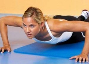 упражнения для упругости груди дома